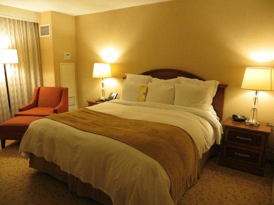Toronto Airport Marriott Hotel: Chambre à coucher