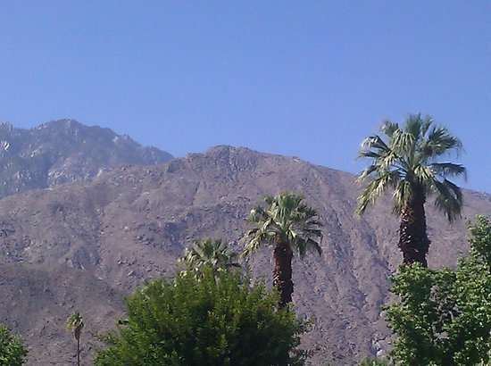 Holiday Inn Express Palm Desert / Rancho Mirage: View of the mountains from outside the hotel