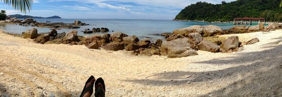 Coral View Island Resort: beachfront/snorkeling area