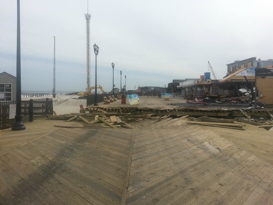 Joey Harrison's Surf Club : picture from the boardwalk