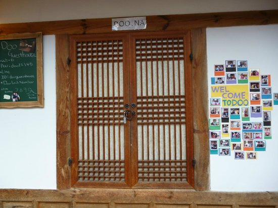 Doo guesthouse Bukchon: the decoration at doo guest house 1 when check in