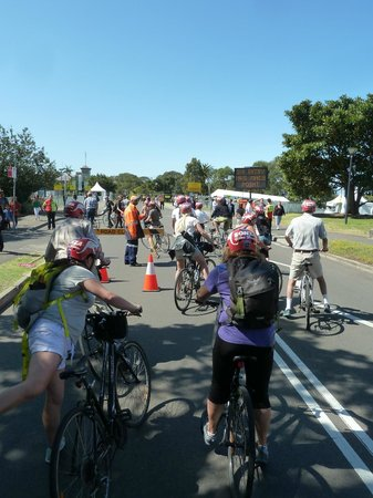 Bonza Bike Tours: Professionally dealing with Fleet Review detours