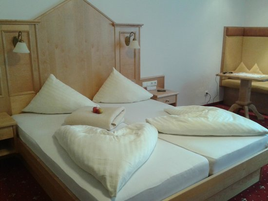 Stegerbraeu: Zimmer und Bettendekoration