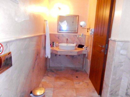 Casa Moazzo Suites & Apartments: Bad