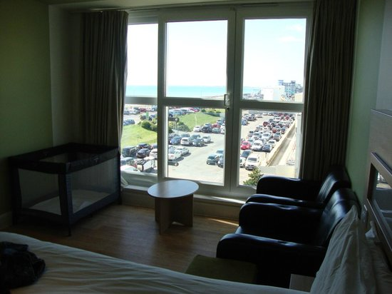 Butlin's Shoreline Hotel: Partial Sea View - View from the Room