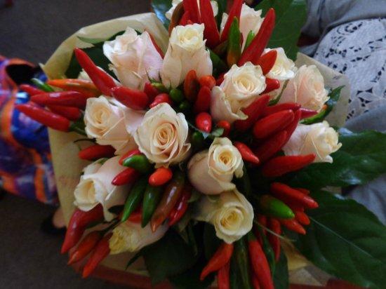 Al Colonnato di San Pietro Bed and Breakfast: The bouquet!