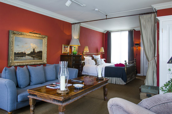Hotel Seven one Seven: Tolkien Suite