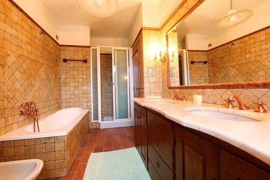B&B Vista Lago: bagno camera 3