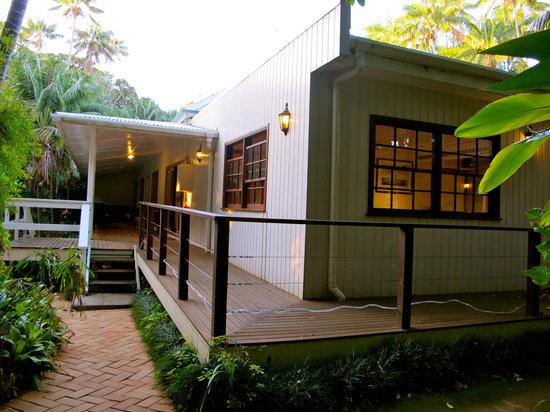 Beachcomber Restaurant: Restaurant exterior