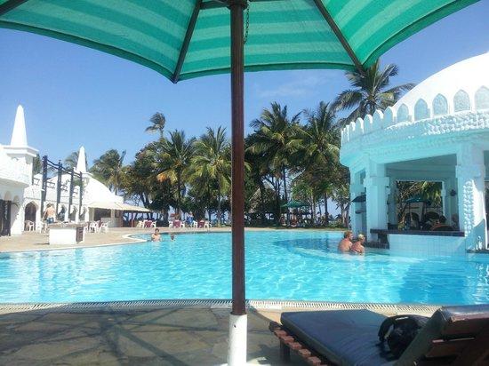 Southern Palms Beach Resort: pool