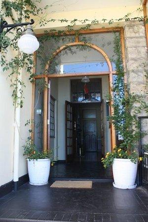 The Lord Nelson Inn - entrance