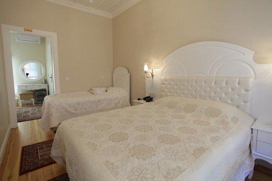 Mataraci Konak: Triple Room ( 3 kişilik oda )