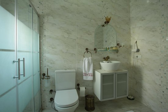 Mataraci Konak: Bathroom ( Banyo )