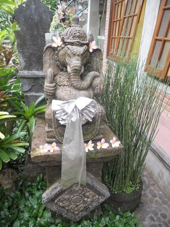 Ketut's Place: the entry