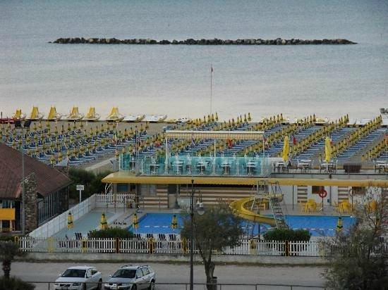 Club Family Hotel Executive: Novità 2014...Bagno Marconi...direttamente sul mare, Open Bar ( soft Drink), animazione e......