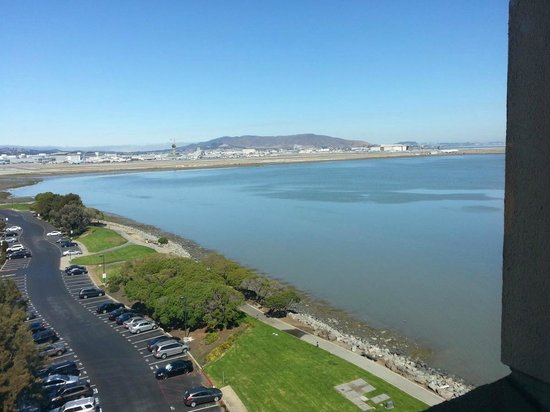 San Francisco Airport Marriott Waterfront: View from Room 1016