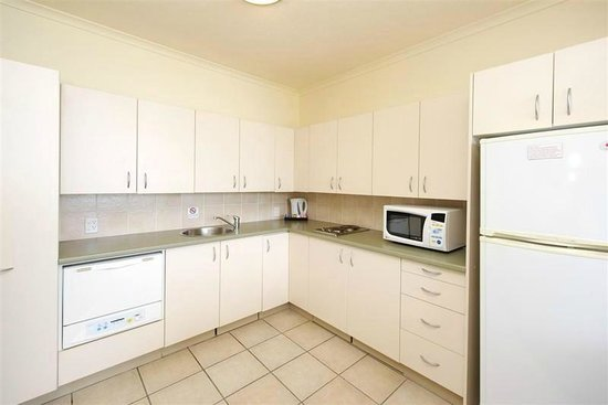 The Landmark Nelson Bay : This unit has an extra large open plan kitchen