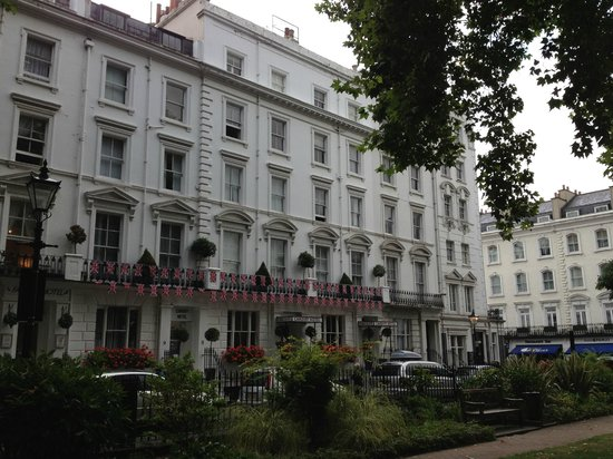 Cardiff Hotel: View from the park in Norfolk Square