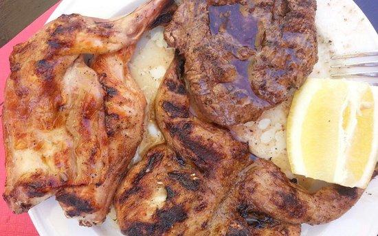 Can Torrat: Grill mix. Delicious!