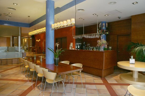 URH Vila de Tossa: Bar hotel