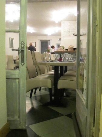 Chez Laurette: drinnen