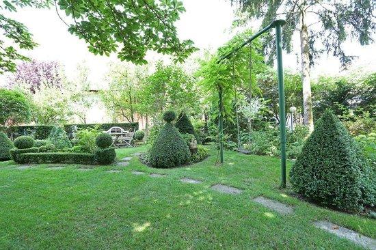 Au Relais de la Poste aux Chevaux : le jardin