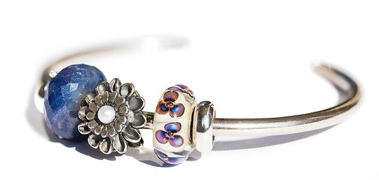 Unique B and Trollbeads: Silver Bangle with beads