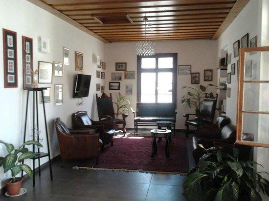 Villa Nazareth Hotel: гостинная