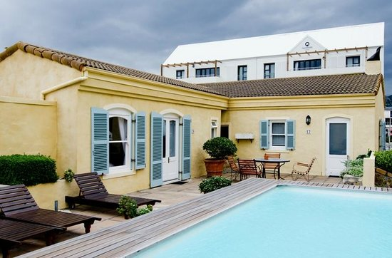 Auberge Burgundy: Pool - unheated