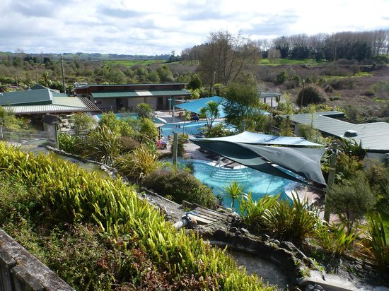 Waikite Valley Thermal Pools : view of the pool complex