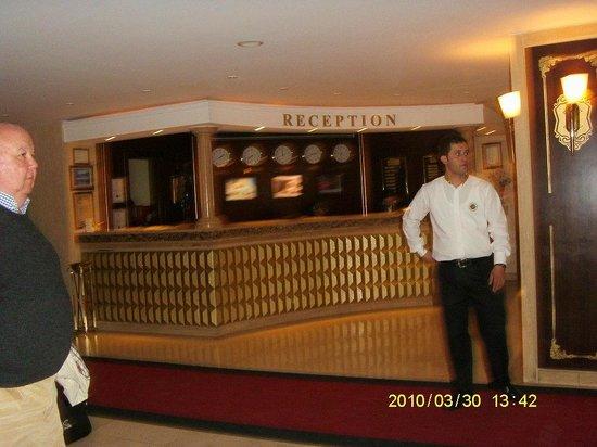Hotel Mosaic: recepcion