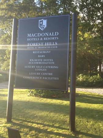 Macdonald Forest Hills Hotel & Spa: main entrance