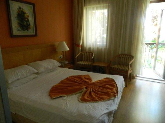 Orka Club Hotel & Villas: 1st room