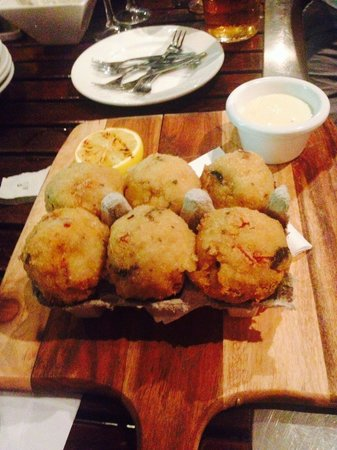 Monsoons: Arancini Balls - yum!