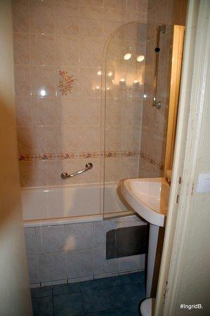 Hotel Wallace: Vue salle de bains douteuse