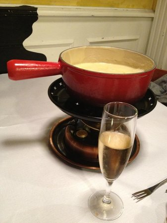 Le Gruyerien : Fondue au champagne