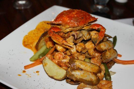 Restaurante Don Luis: Hoofdgerecht met zeevruchten