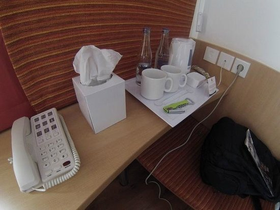 Ibis Bali Kuta: basic amenities you got, i need a fridge / minibar here..