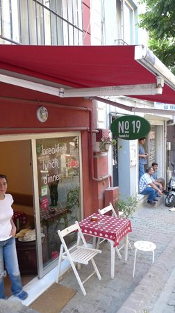 No:19 Yemek Evi : don't miss this spot in the city