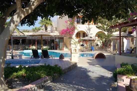 Smaragdi Hotel : отель