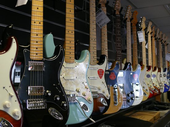 Hogan Music: Fender Display