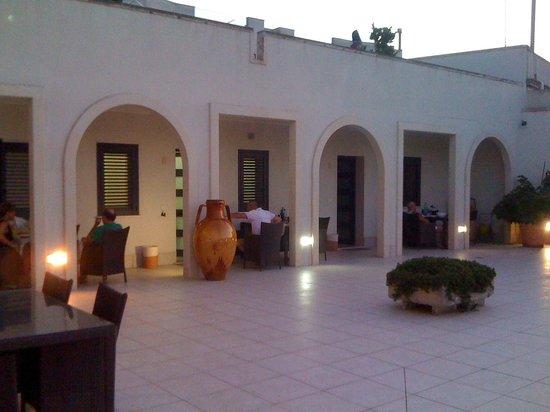 la terrazza al tramonto- i tre appartamenti - Picture of Residence ...