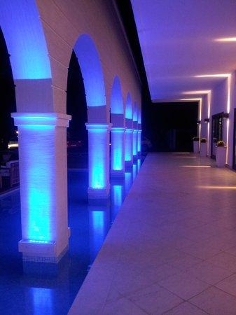 Mitsis Faliraki Beach Hotel & Spa: ingresso hotel