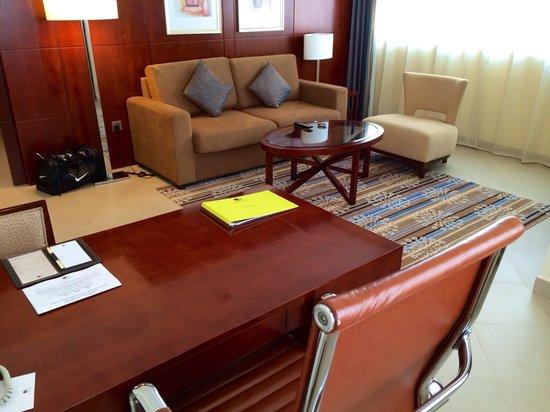Doubletree by Hilton Ras Al Khaimah: Living room