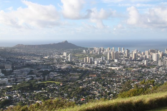 Oahu Spot Tours: View of Diamond Head and Waikiki