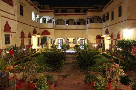 Ishwari Niwas Palace: Interior