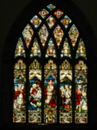 St. Nicholas' Collegiate Church: Stained glass window with images