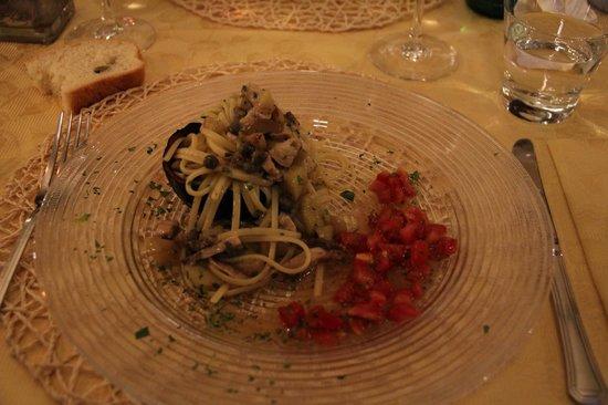 Al Pontil de' Tripoli: Linguine mit Schwertfisch
