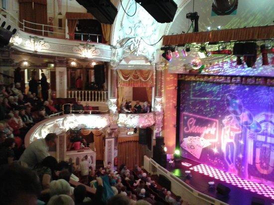 The Pavilion Theatre: Inside Wedding Cake