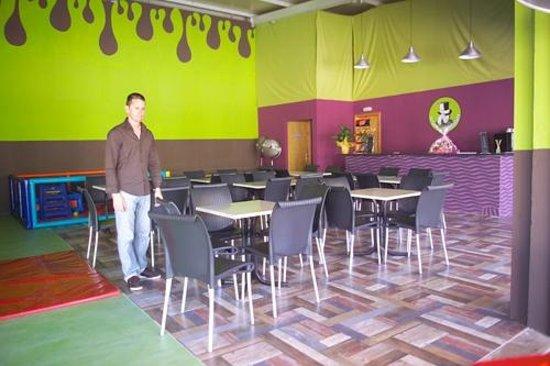 Cafeteria -La Fabrica de Chocolate- el mejor parque infantil de Mallorca Palma Llucmajor